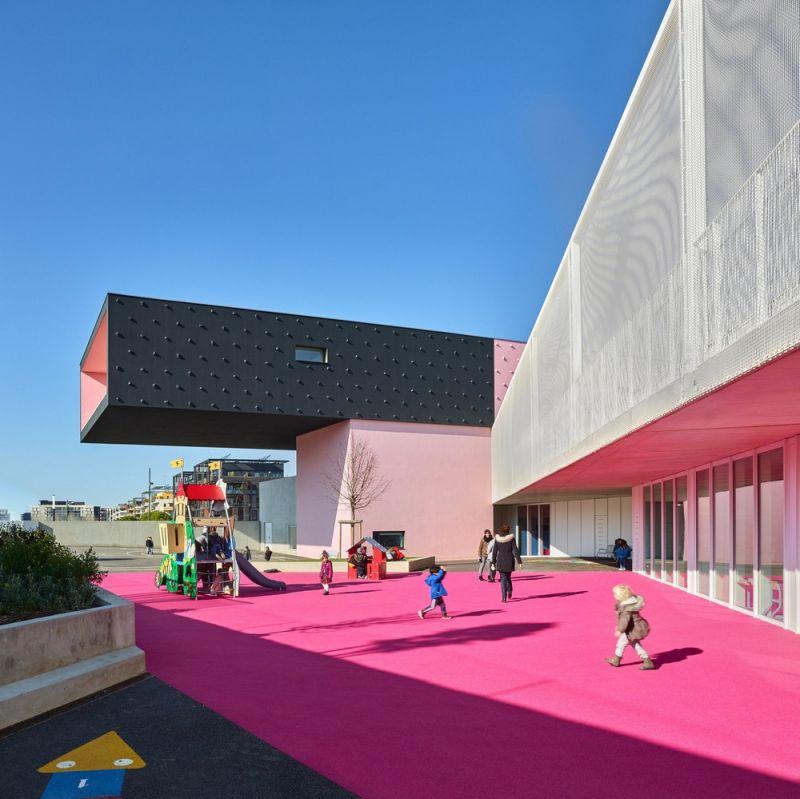 Современный детский сад и начальная школа во Франции