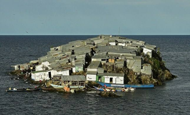 10 самых густонаселенных островов в мире