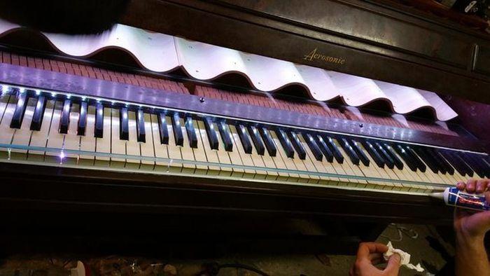 Домашний бар из старого пианино