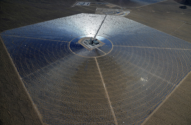 Как устроена крупнейшая в мире солнечная электростанция