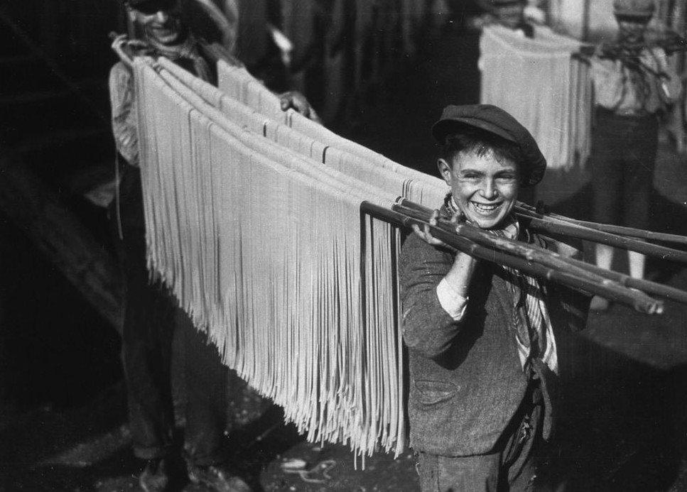Редкие исторические снимки различных производственных процессов