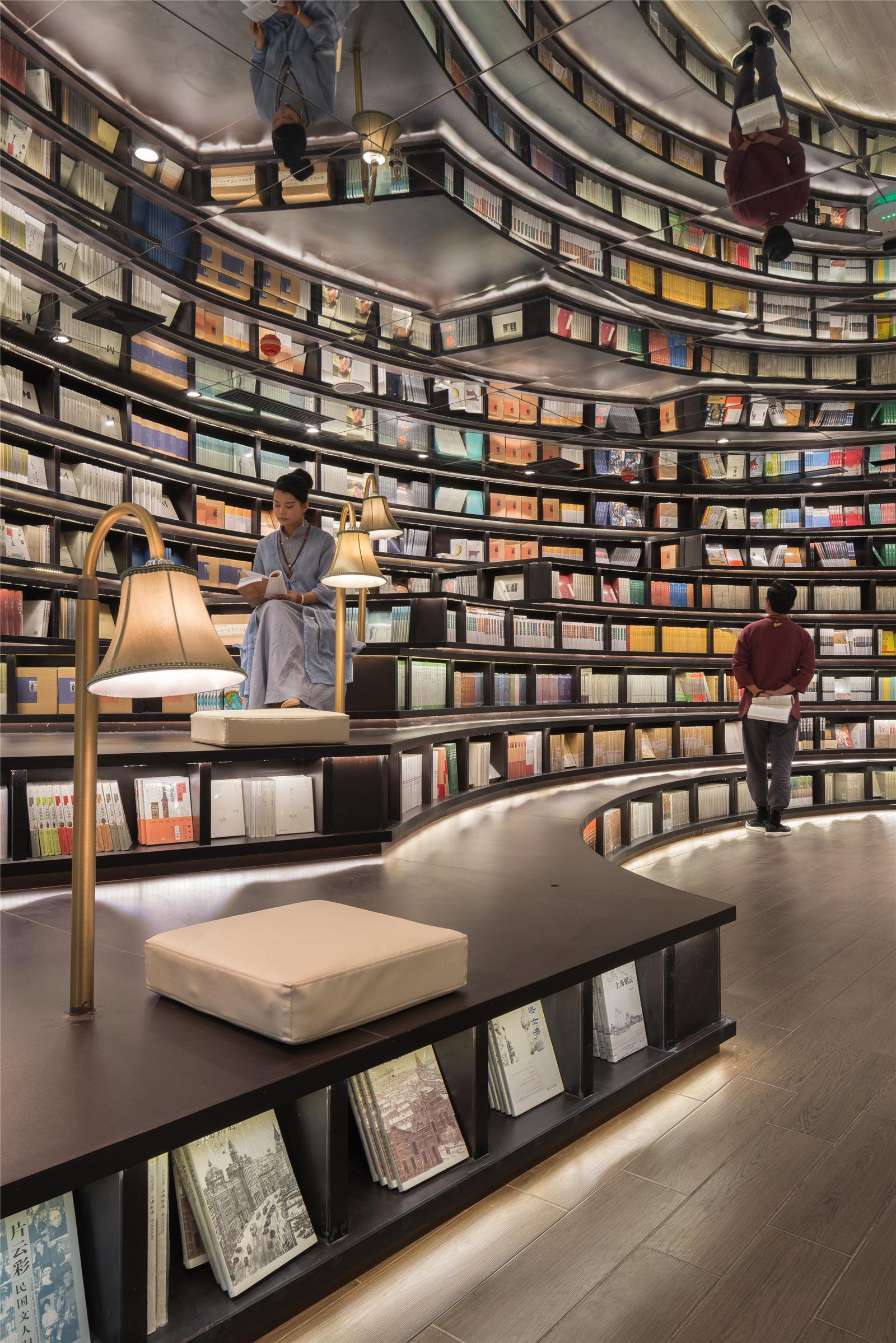 Безумие книжного магазина в Китае