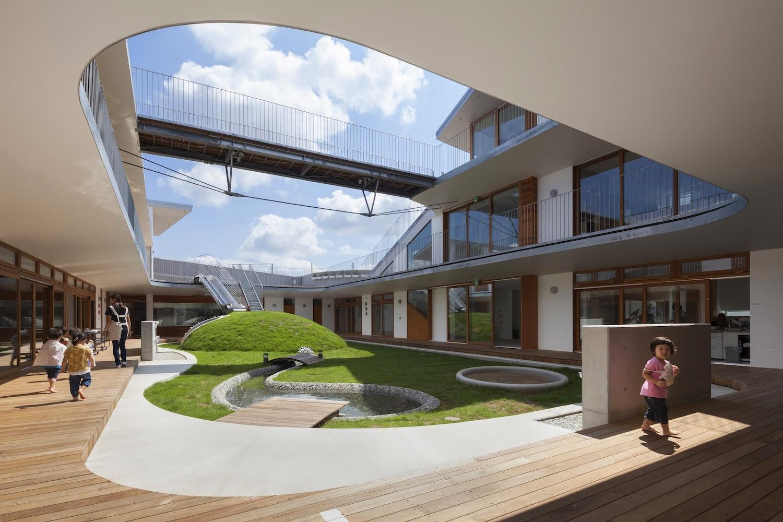 Здание детского сада в Японии