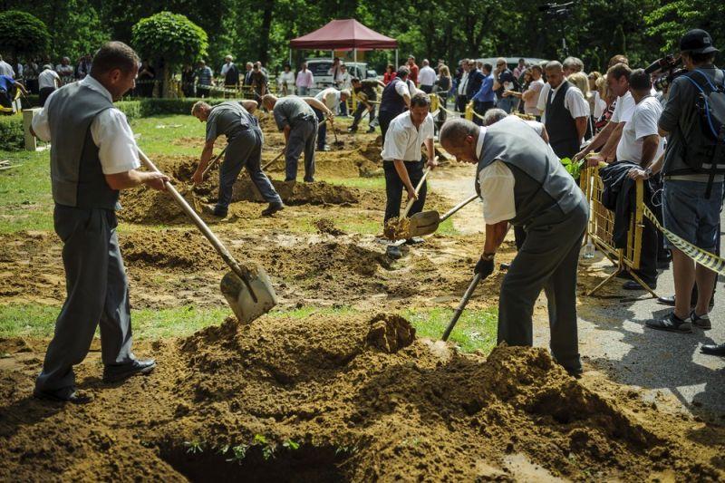Первый национальный конкурс могильщиков в Венгрии