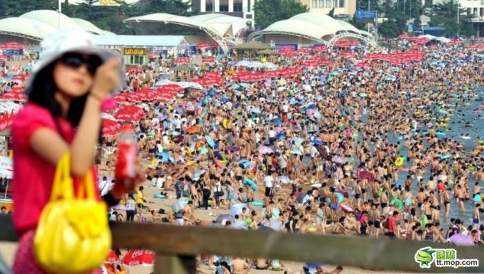 На типичном Китайском пляже