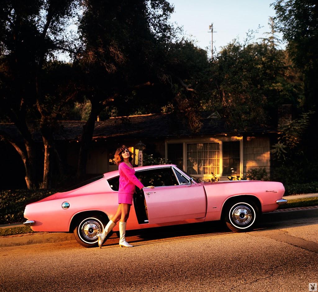 Красивые девушки Playboy и их автомобили