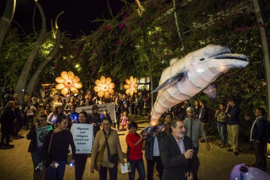 Парад бумажных фонариков Luminous Lantern Parade в Австралии