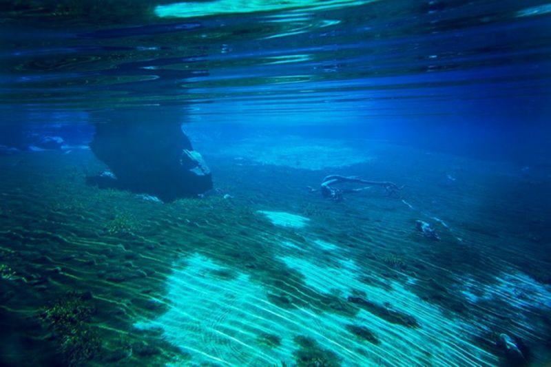 Самое чистое озеро на планете, но купаться в нем нельзя