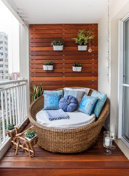 Уютные балконы, на которых хочется провести всё лето