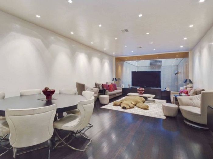 Дом, похожий на гараж, за 29 миллионов долларов