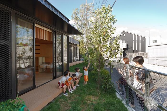 Детский сад из морских грузовых контейнеров