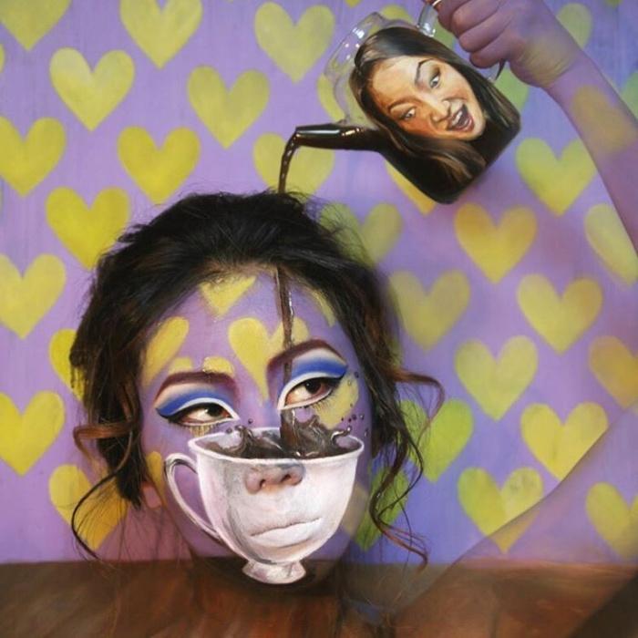 Оптические иллюзии и бодиарт на собственном лице