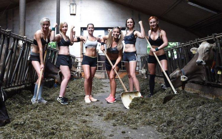 Жены баварских фермеров снялись для календаря