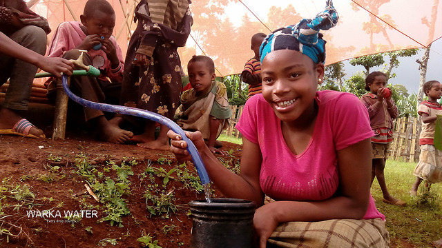 Как в Африке добывают воду из воздуха