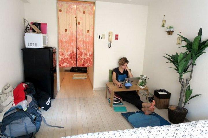 Миниатюрная квартира в центре Токио