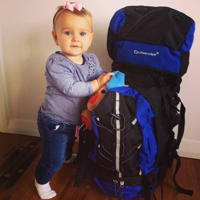 Годовалая малышка путешествует по миру с самого своего рождения