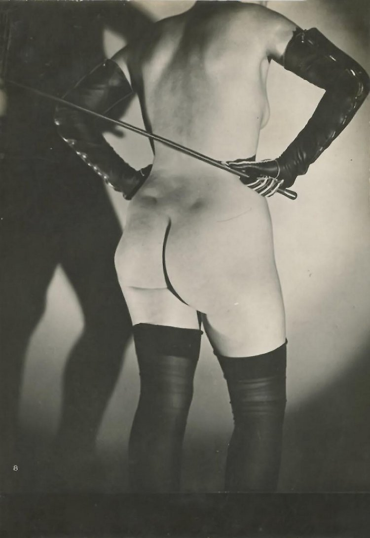 Откровенные снимки для фетишистов 20-х годов