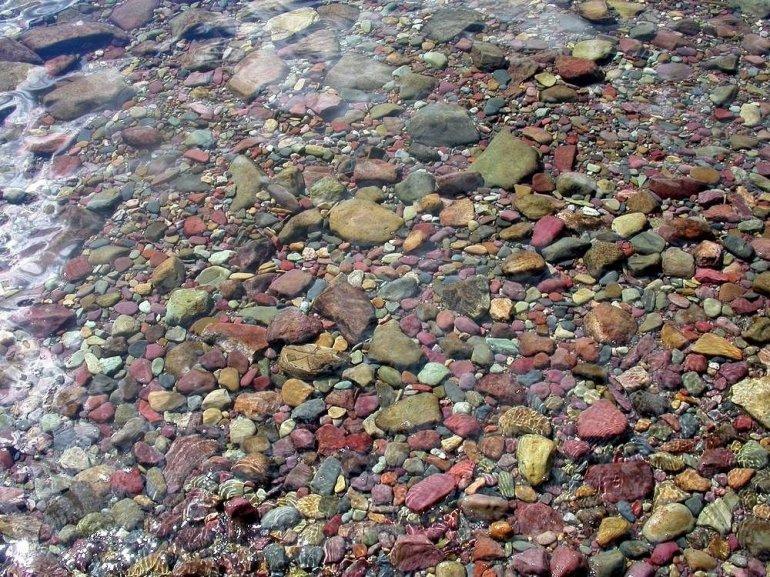 Цветные камни Озера Макдональд