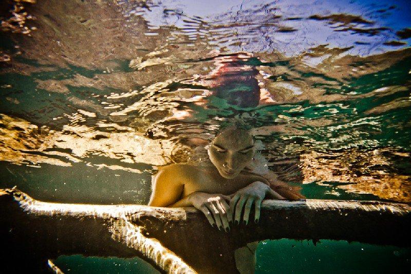 Девушки и погружения в водную стихию от Нила Крейвера