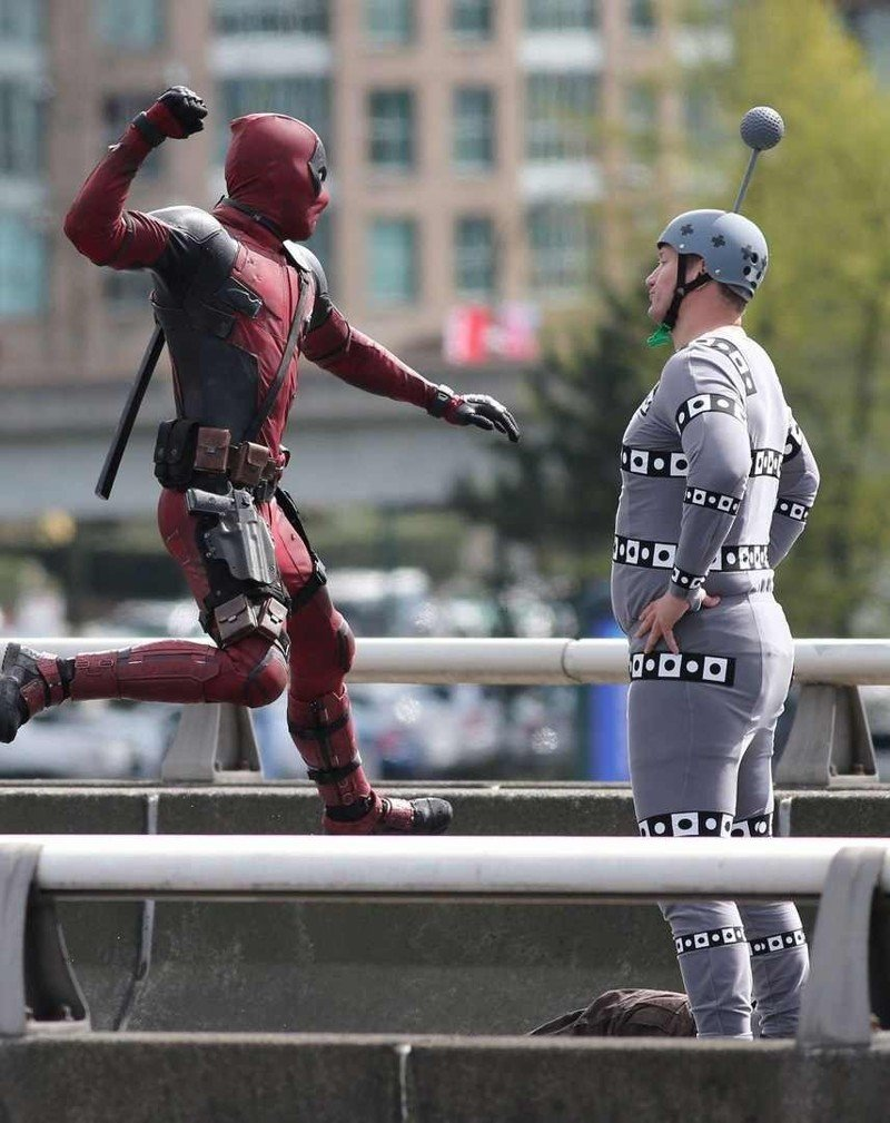 15 закулисных кадров со съемок супергеройских фильмов