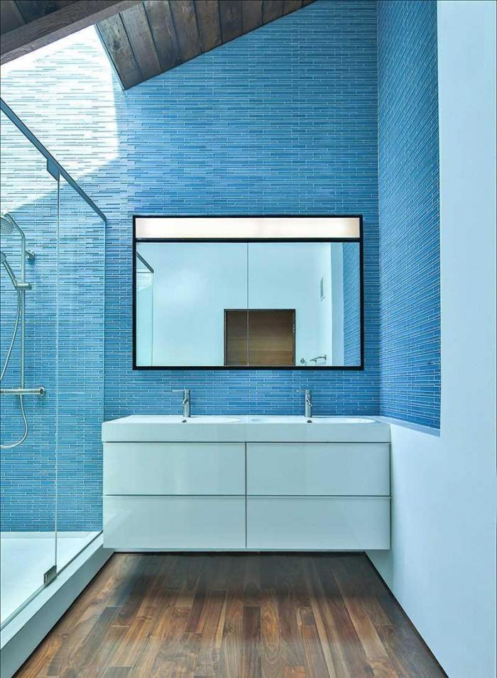 Яркие и красочные ванные комнаты
