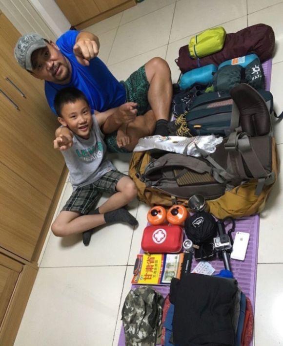 Отец с сыном отправились в пешее 600-километровое путешествие