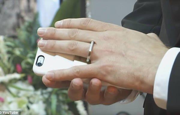 10 самых странных и безумных свадеб