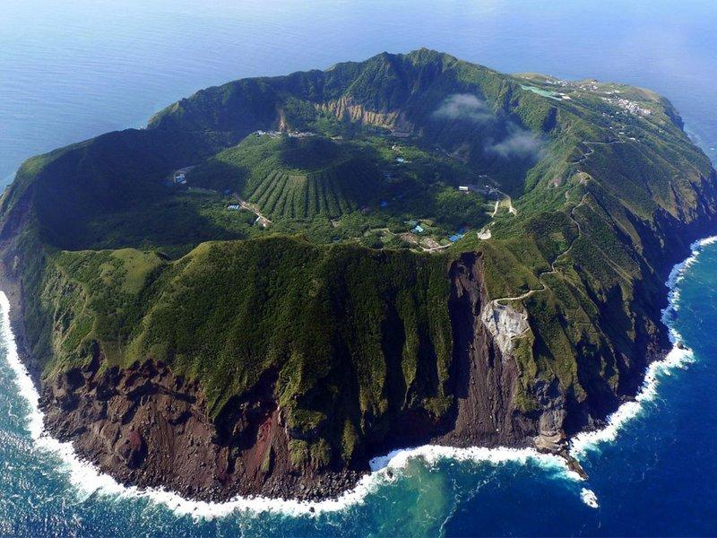 Аогасима – тихий город внутри действующего вулкана