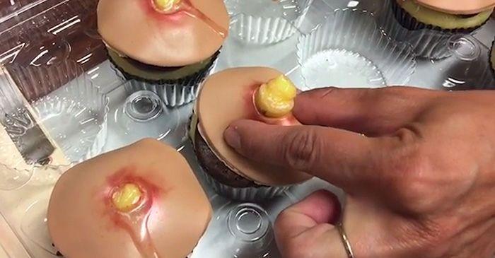 Отвратительные на вид пирожные