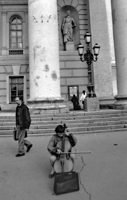 Москва в лихие девяностые на фото Геннадия Михеева