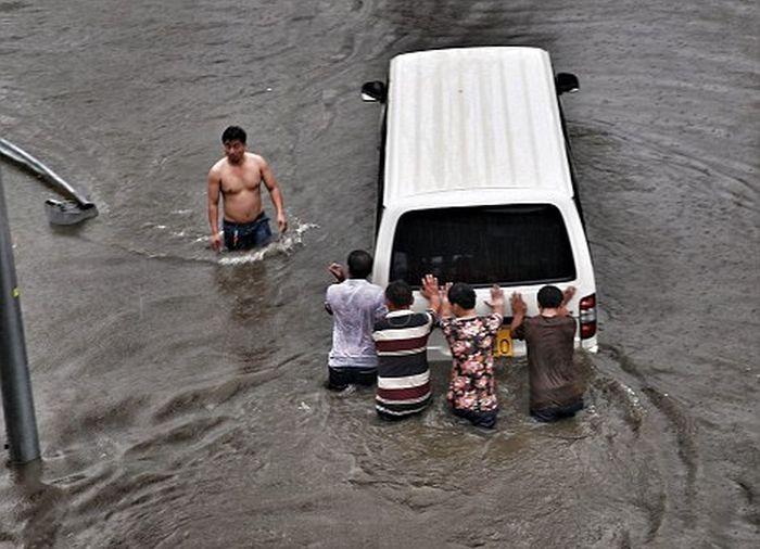 Проливные дожди нанесли Китаю 1 миллиард долларов ущерба