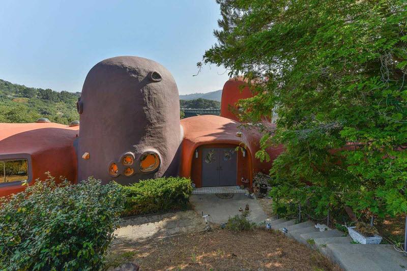 Дом Флинстоунов в Сан-Франциско, который никто не хочет покупать