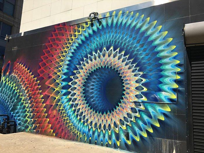 Калейдоскопические уличные рисунки от Дугласа Хокзема
