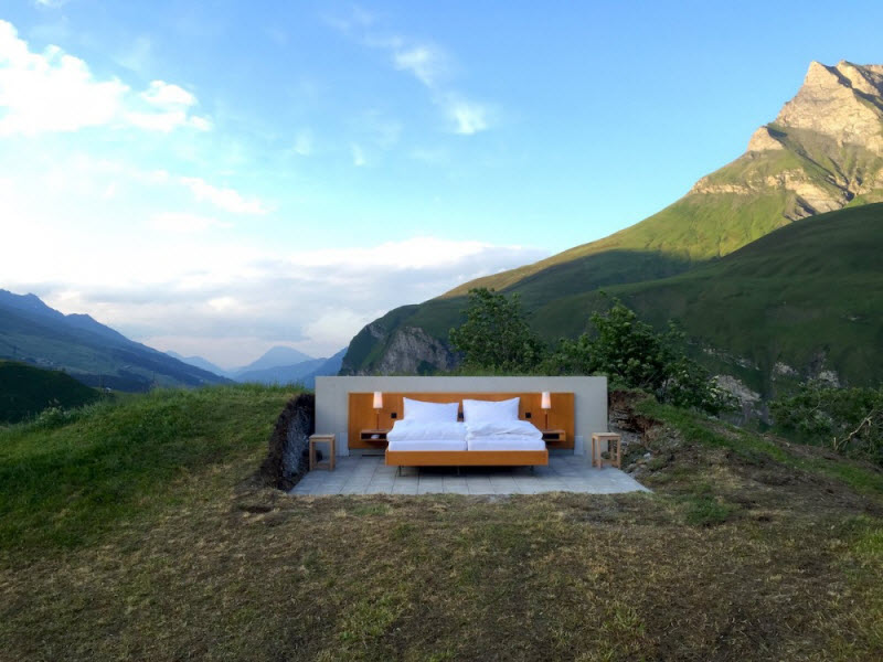 Необычный отель без стен и потолка в Швейцарии