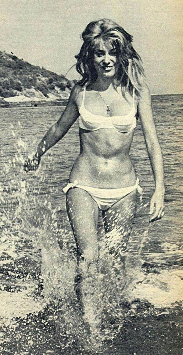 Зарубежные знаменитости на пляже