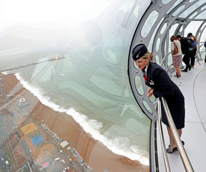В Британском Брайтоне появилась рекордно тонкая обзорная башня