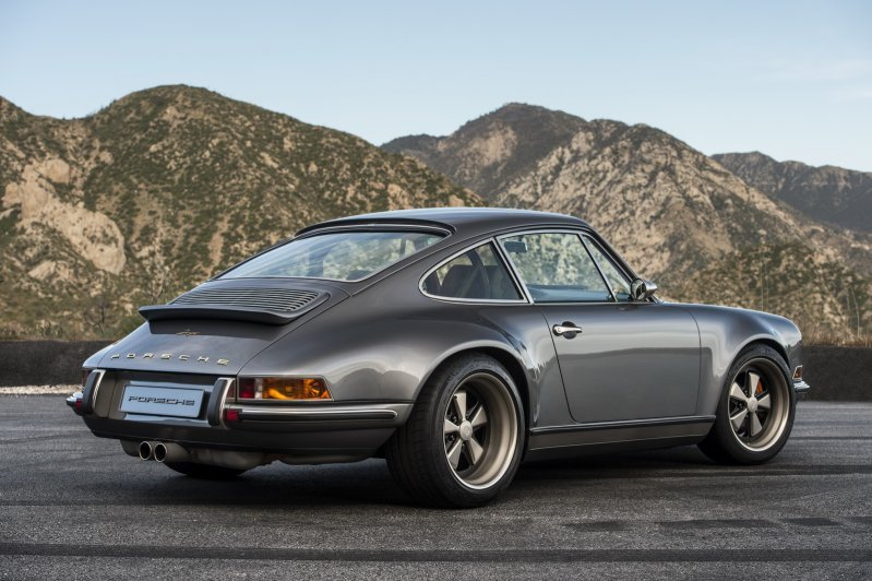 Два классических Porsche 911 от ателье Singer