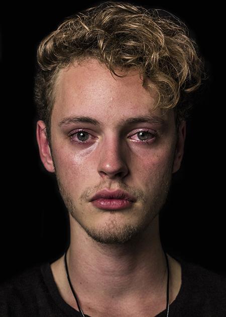 Фотопроект о плачущих мужчинах, разрушающий известные стереотипы