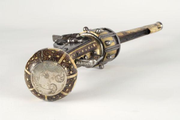 Самый старый револьвер в мире