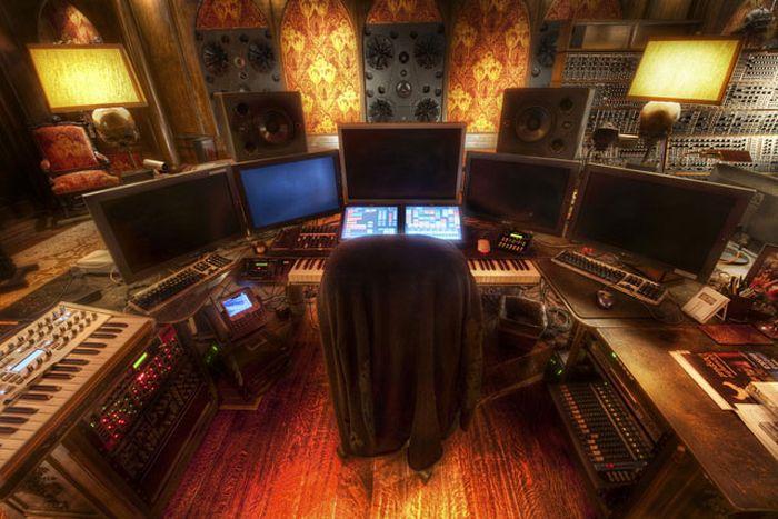 Впечатляющая студия немецкого композитора Ханса Циммера