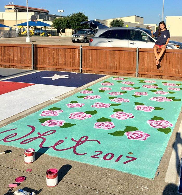 Американским школьникам разрешили раскрасить места для парковки