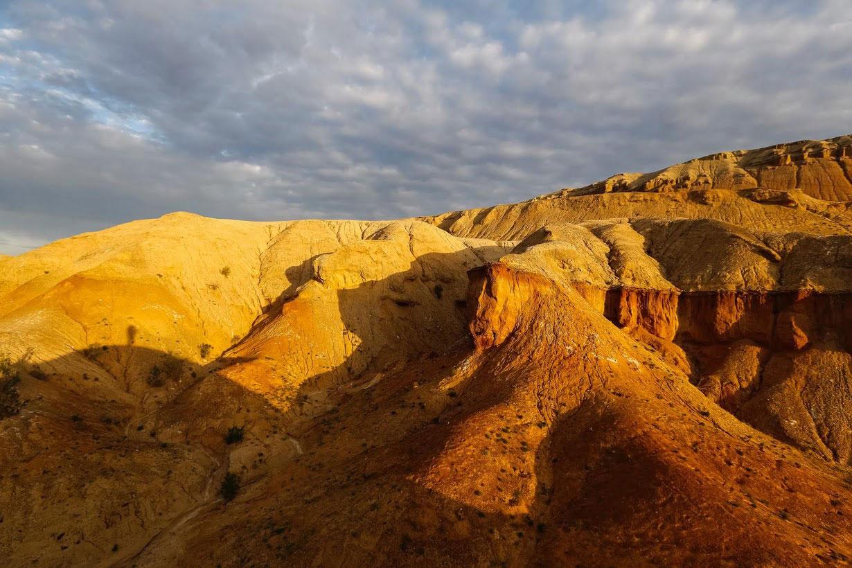 Дюна Поющий бархан в Казахстане
