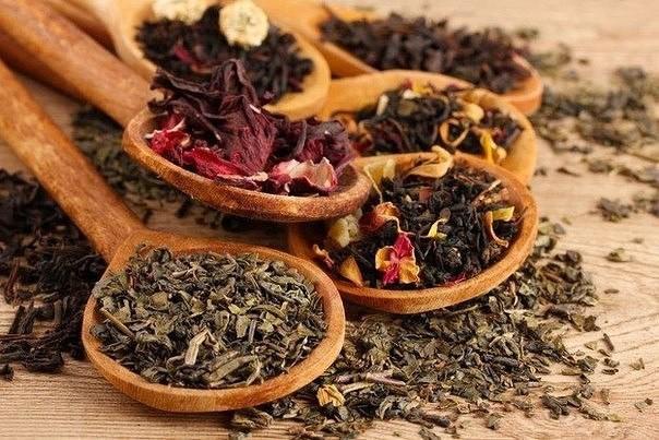 14 лучших лечебных добавок к чаю