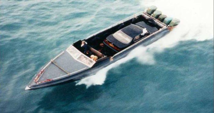 Быстроходные бронированные катера китайских контрабандистов