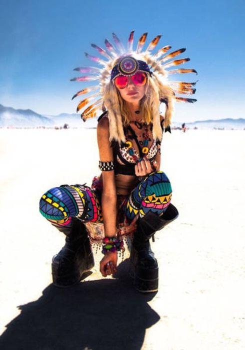 Девушки с фестиваля Burning Man