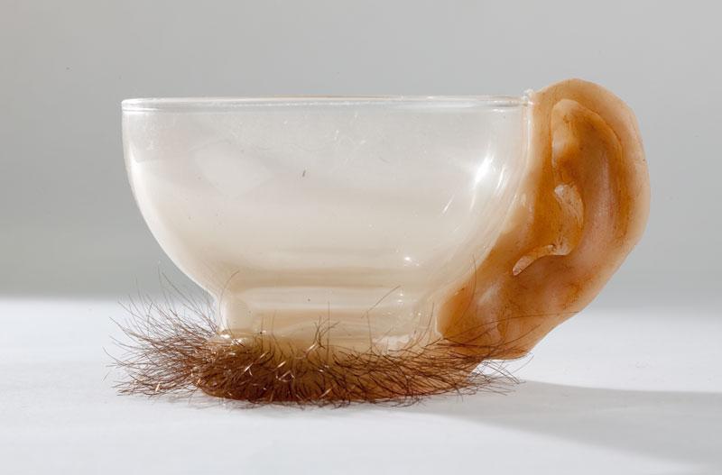 Необычная анатомическая посуда может напугать