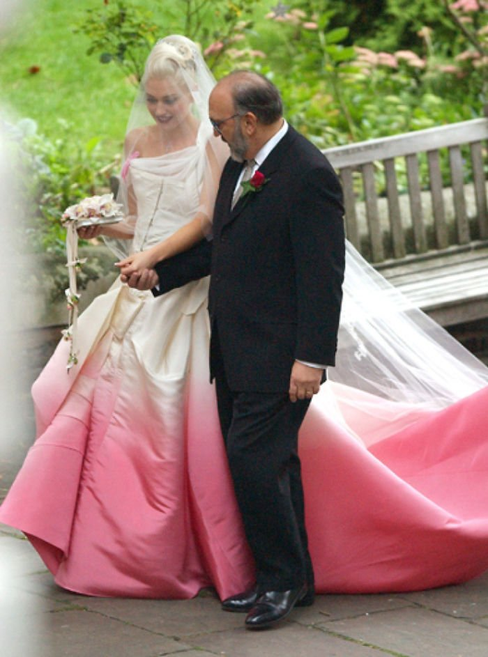 Свадебные платья с плавным цветовым переходом