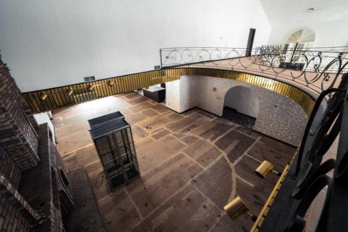 Заброшенный особняк, который ранее принадлежал Майку Тайсону