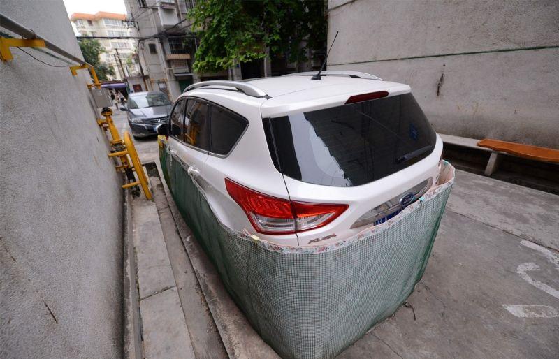 Китайские водители защищают свои авто от крыс