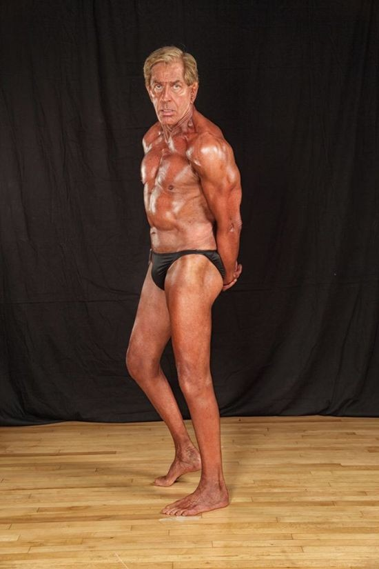 72-летний бодибилдер поразил всех своей фигурой